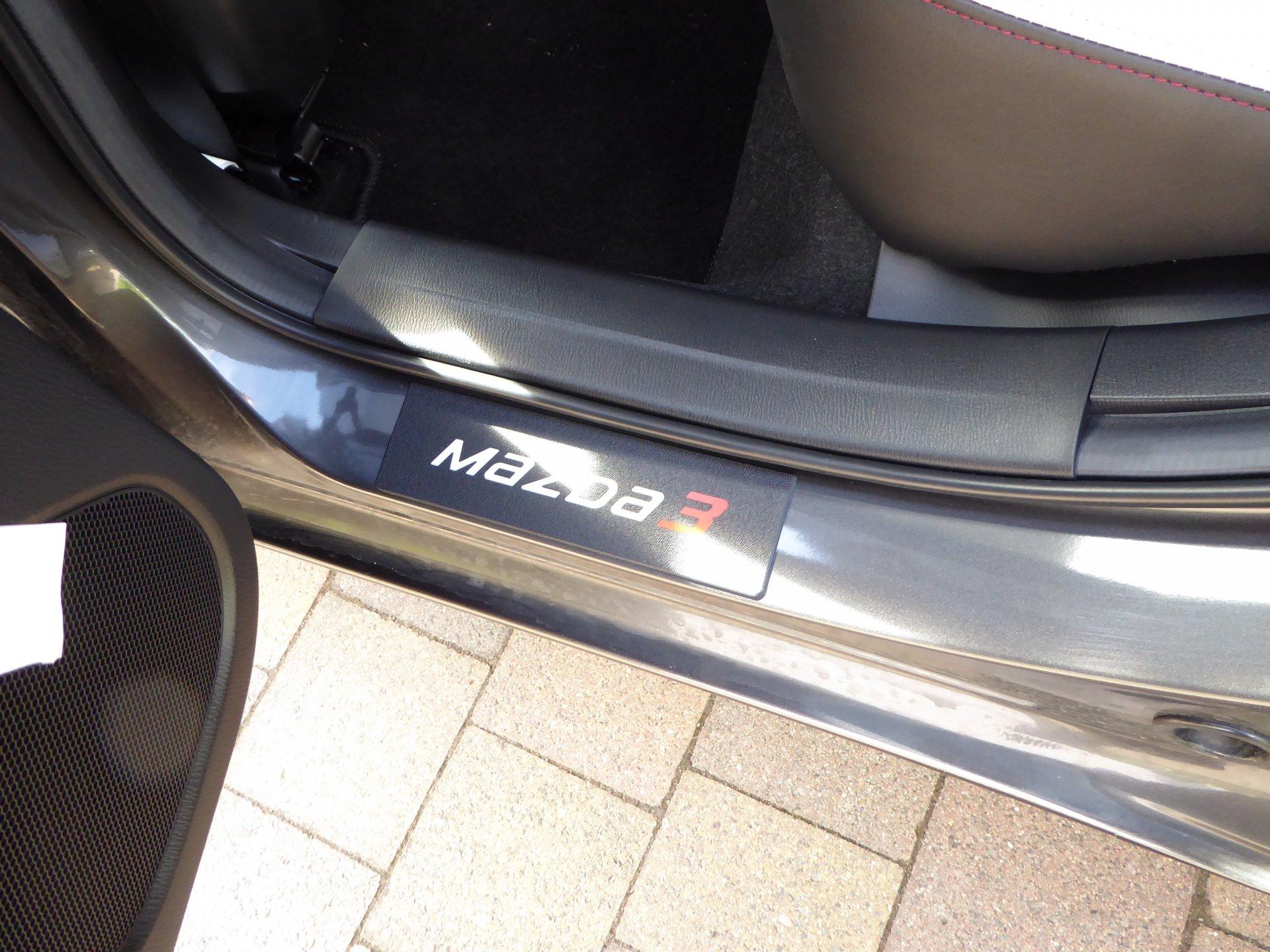 Fahrer-Fußstütze Mazda3 BM | Seite 11