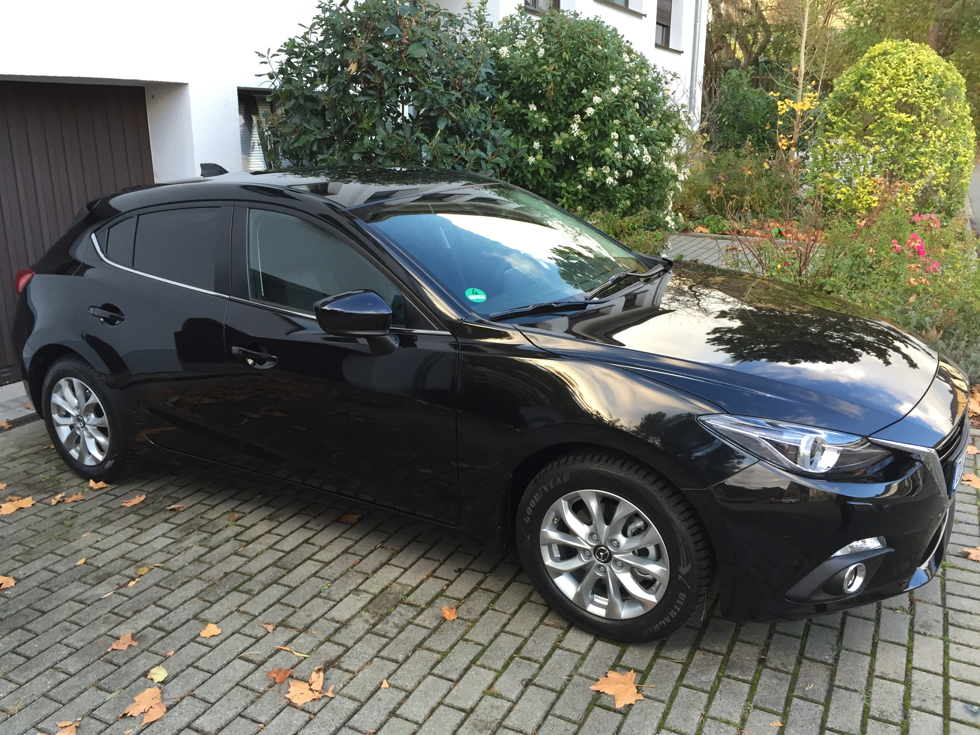 mazda 3 bm sports line g120 schwarz metallic 16 mazda winterfelge design 62 goodyear ultra. Black Bedroom Furniture Sets. Home Design Ideas